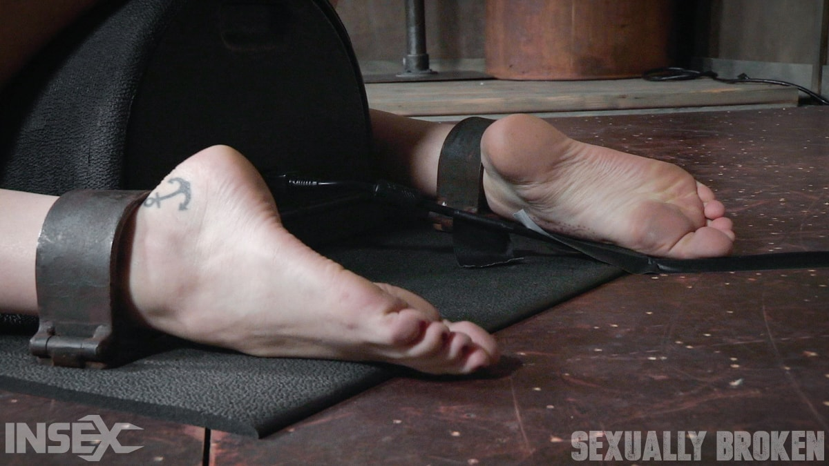 Insex 'is bound in shackles on a Sybian, made to cum over and over while brutally face fucked!' starring Amber Ivy (Photo 3)