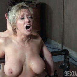 Dee Williams in 'Insex' Bonnie Day and Dee Williams both bound and cumming on a sybian while brutally face fucked! (Thumbnail 10)