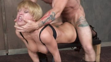 Dee Williams - Dee Williams in the hardest hour in Porn! Non-stop live action, brutal face fucking devastating!