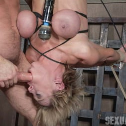 Dee Williams in 'Insex' shows you what it's like when a legendary bondage model becomes a porn star! (Thumbnail 14)