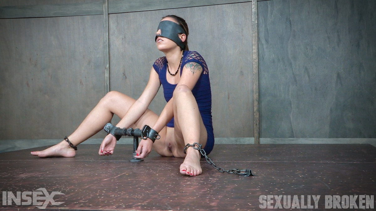 Insex 'is bound, blindfolded, vibrated, to brutal orgasms while being facefucked to subspace' starring Sophia Grace (Photo 4)