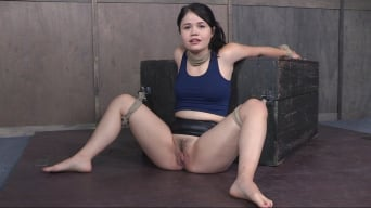 Yhivi in 'Returns For Face Fucking and Brutal Orgasms in Live BaRS Show!'